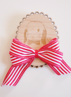 Lasercut Wooden Brooch – Ribbon
